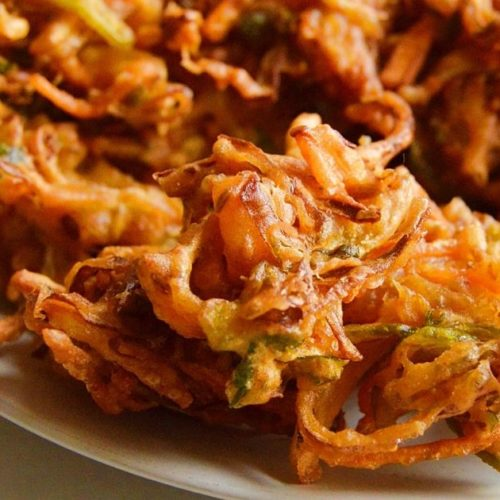vegetable pakoda in a plate