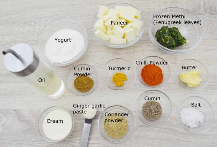 ingredients required to make methi malai paneer curry.
