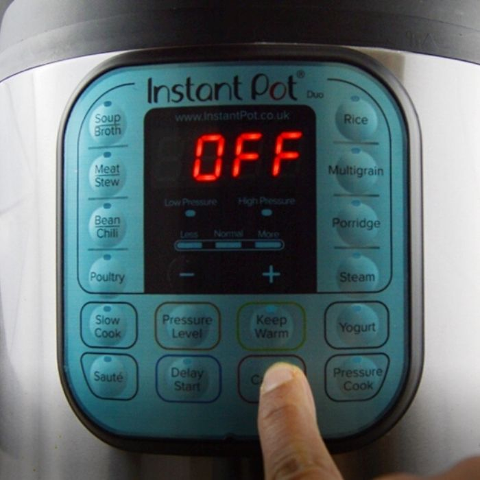 turning off the saute mode of instant pot.