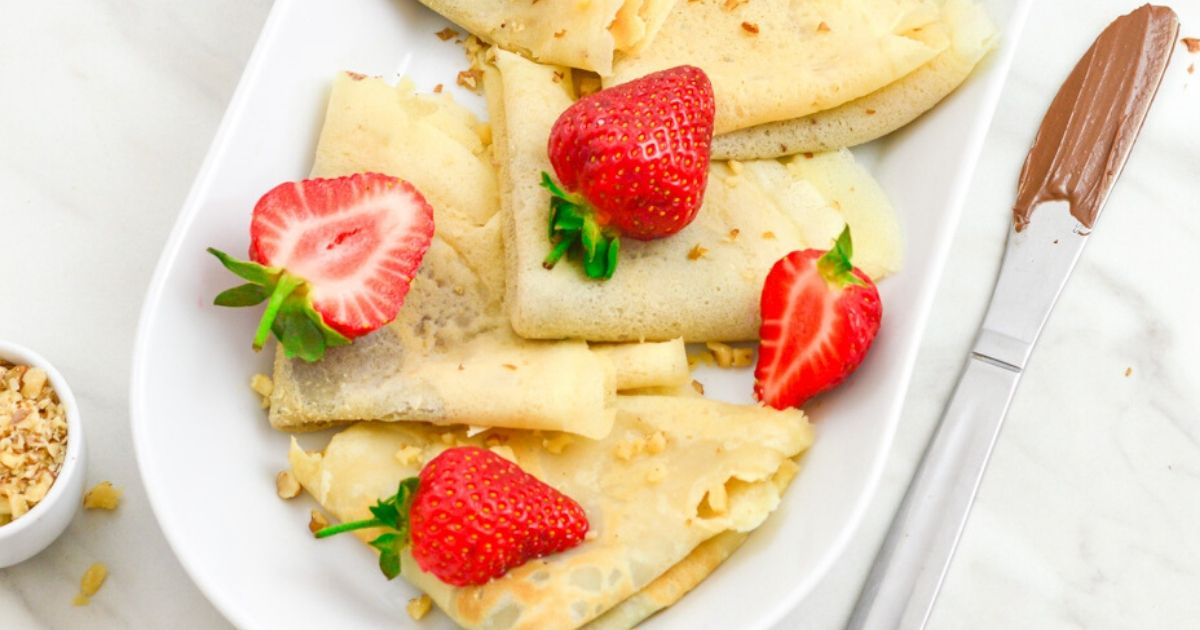 Nutella Crepes With Strawberries Eggless Crepes Flavors Treat